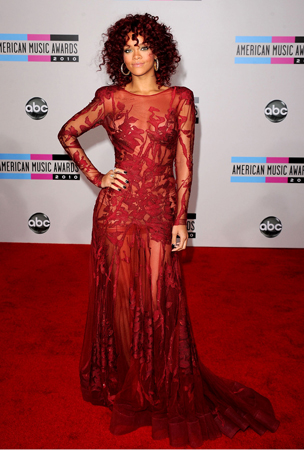 Curls All the Rage at the AMAs