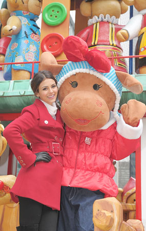 Victoria Justice at the 84th Annual Macy's Thanksgiving Day Parade (PHOTOS)