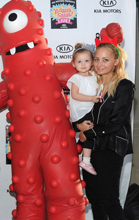 Nicole Richie, Gwen Stefani Go Yo Gabba Gabba (PHOTOS)
