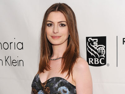 Anne Hathaway: Hosting Oscars Will Be Nerve-Wracking