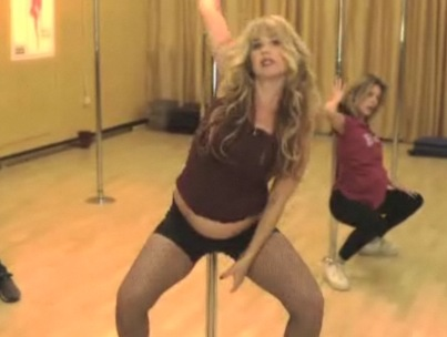 Christina Applegate's Pregnant Pole-Dancing Lesson (VIDEO)