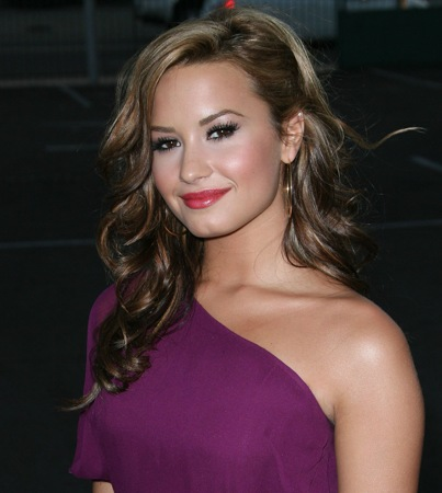 Demi Lovato to Strike Deal With Backup Dancer, Lawyer Says