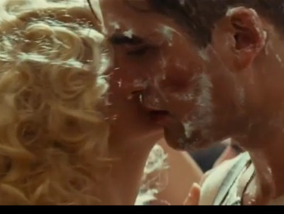 Robert Pattinson and Reese Witherspoon Kiss in New 'Water for Elephants' Trailer (VIDEO)