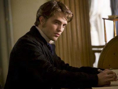 Robert Pattinson Broods in New 'Bel Ami' Still (PHOTOS)